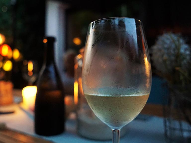 White wine tasting Salisbury